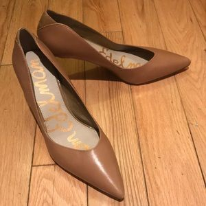 Sam Edelman Camel Pumps